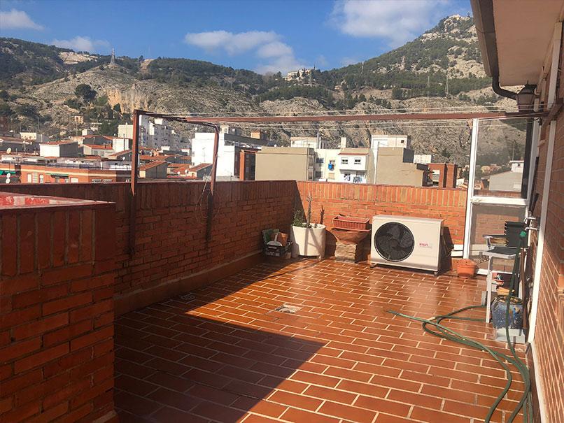 A-la-venta-precioso-Ático-Zona-Santa-Rosa-Terraza