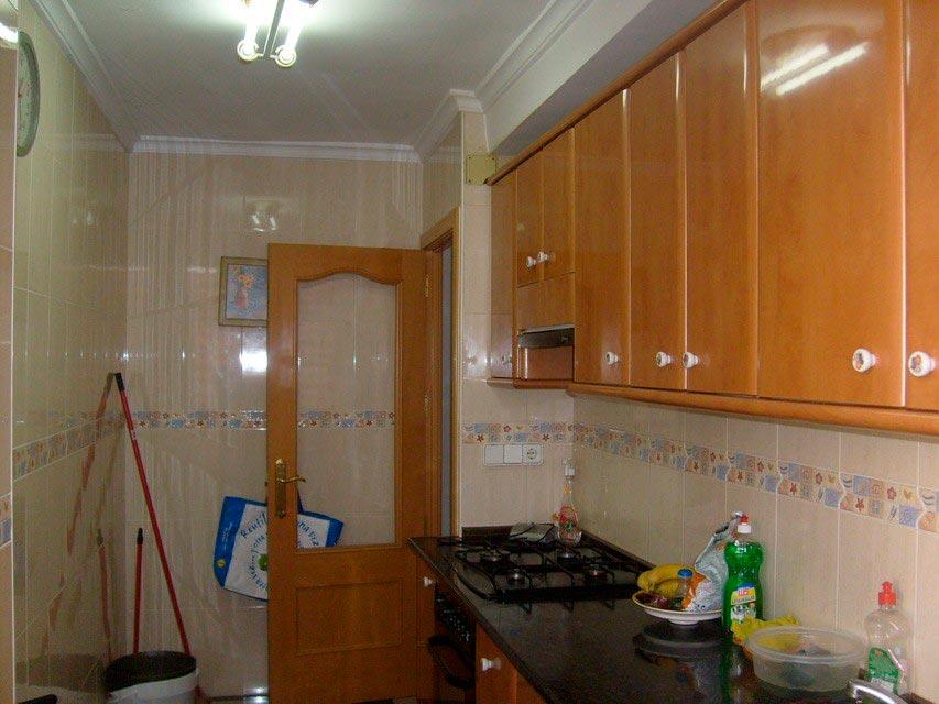 Bonito piso con espacioso comedor en Santa Rosa-cocina (4)