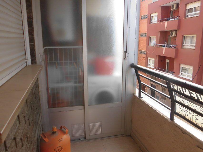 Bonito piso con plaza de garaje en la zona de Santa Rosa-balcon