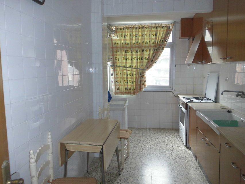 Bonito piso en venta con 3 habitaciones en Santa Rosa-cocina (2)