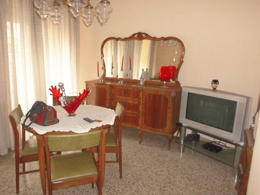 Bonito piso en venta con 3 habitaciones en Santa Rosa-salon
