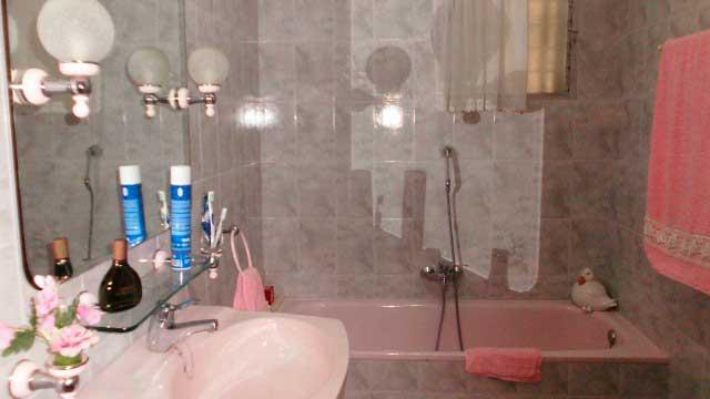 SE VENDE BONITO CHALET EN GAYANES-baño