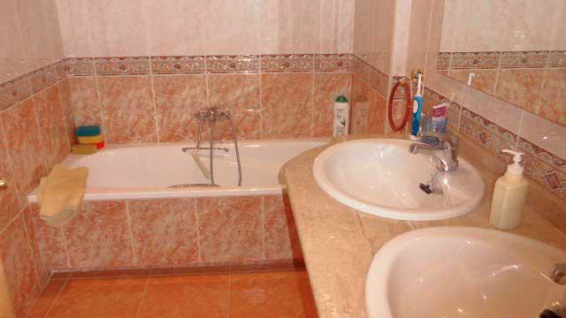 SE VENDE BONITO CHALET EN MONTESOL-baño2