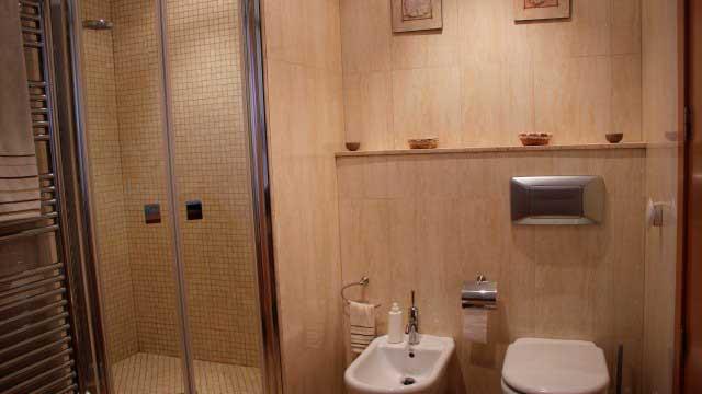 SE VENDE CHALET EN ALCOCER DE PLANES-baño