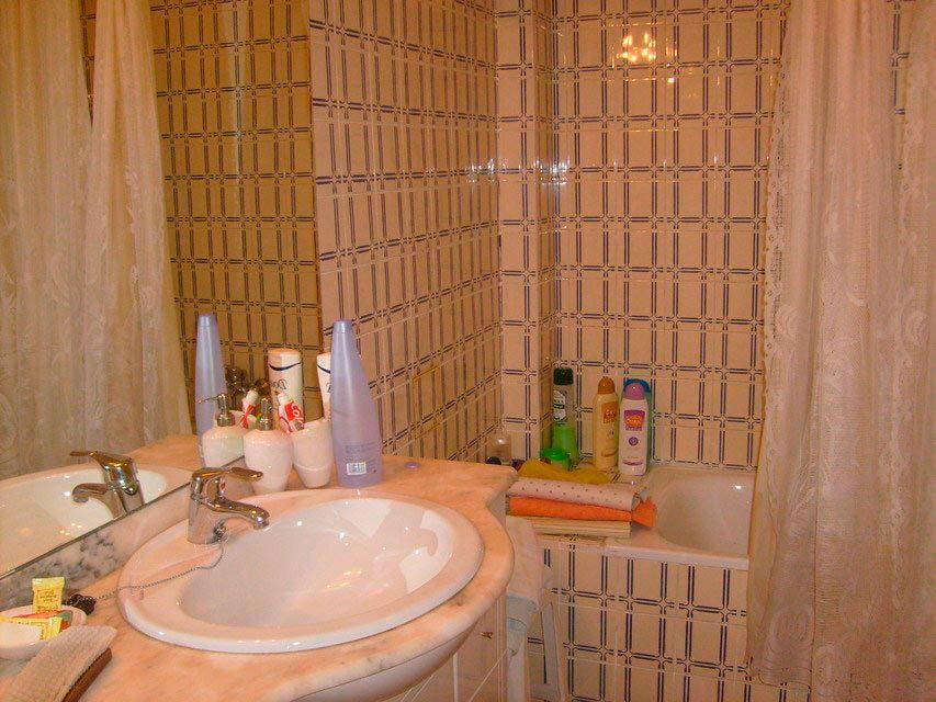 acogedor-piso-en-venta-con-gran-cocina-en-santa-rosa-banyo (2)