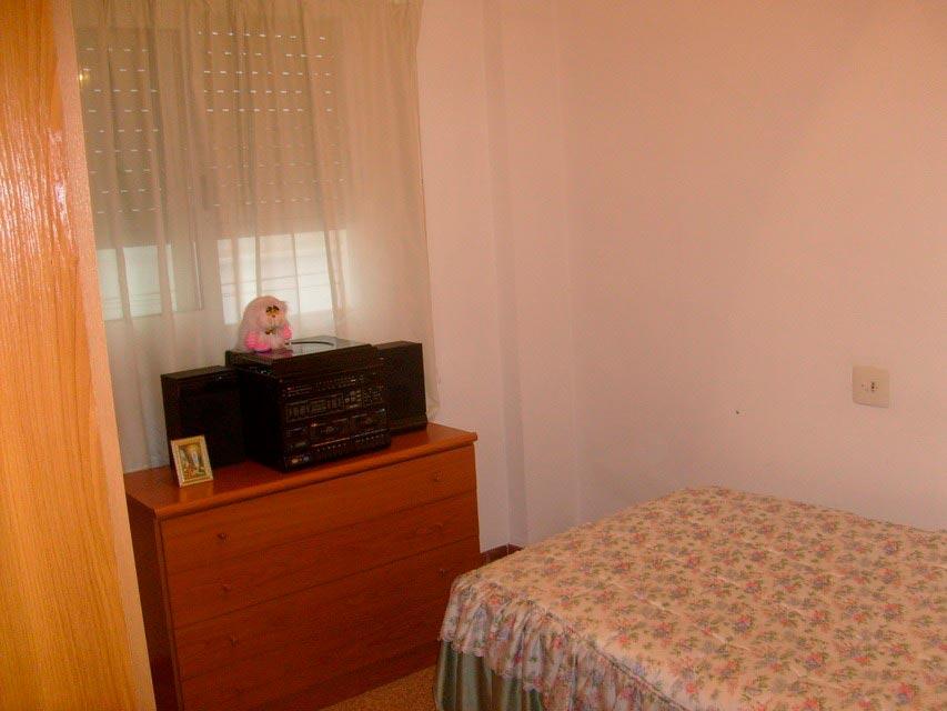 acogedor-piso-en-venta-con-gran-cocina-en-santa-rosa-habitacion-2