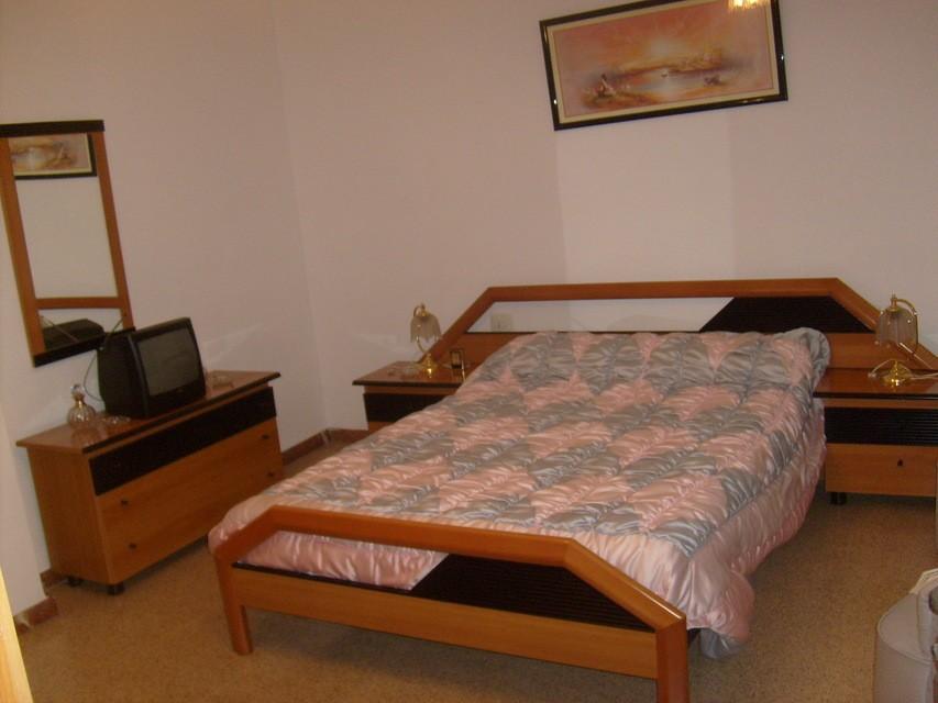 acogedor-piso-en-venta-con-gran-cocina-en-santa-rosa-habitacion-3