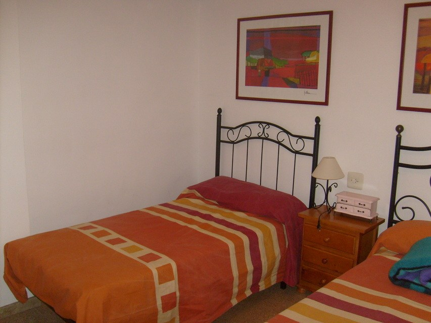 acogedor-piso-en-venta-con-gran-cocina-en-santa-rosa-habitacion