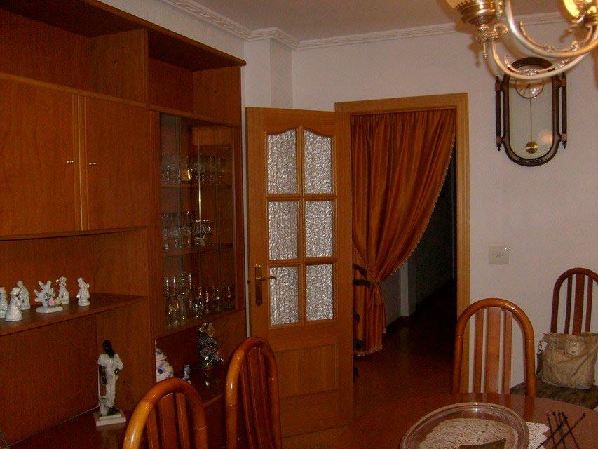 acogedor-piso-en-venta-con-gran-cocina-en-santa-rosa-salon-3