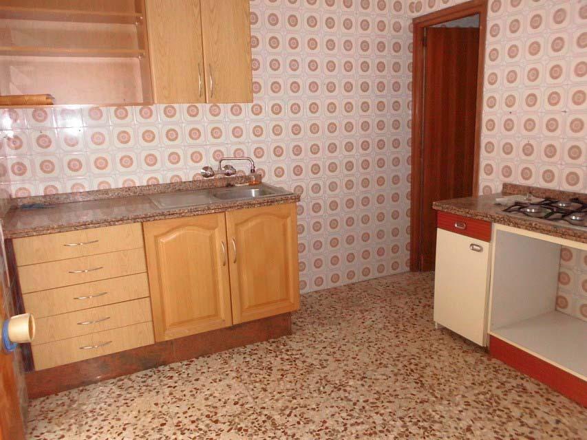 acogedor-piso-en-venta-frente-a-la-plaza-jaume-el-conqueridor-santa-rosa-cocina