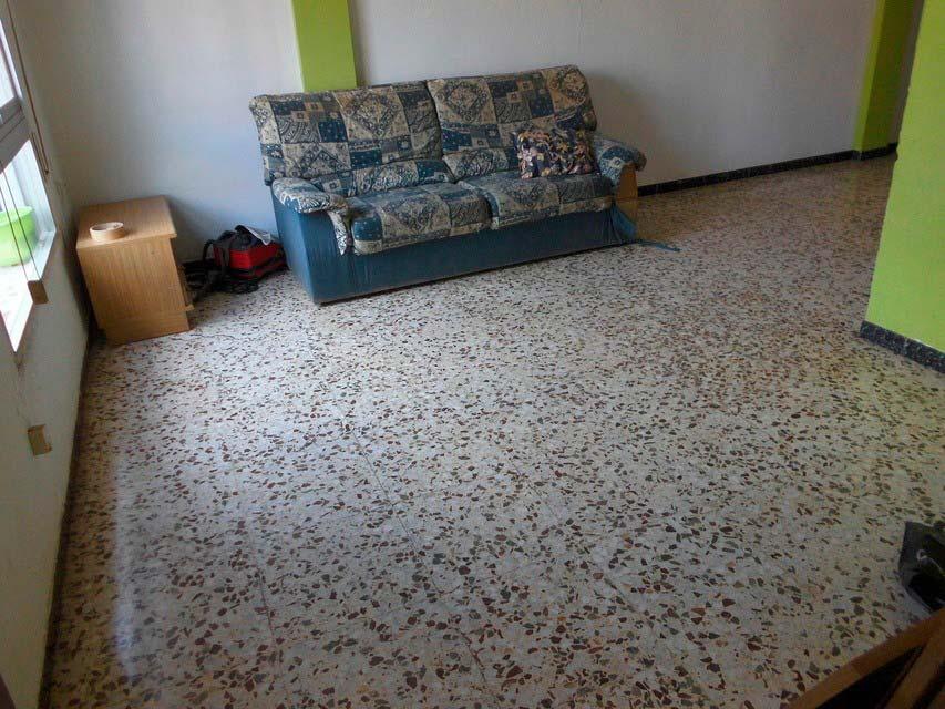 acogedor-piso-en-venta-frente-a-la-plaza-jaume-el-conqueridor-santa-rosa-salon (2)