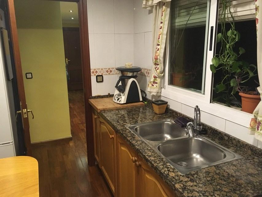 agradable-vivienda-en-la-zona-de-ensanche-cocina (2)