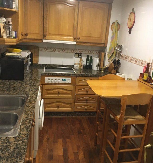 agradable-vivienda-en-la-zona-de-ensanche-cocina