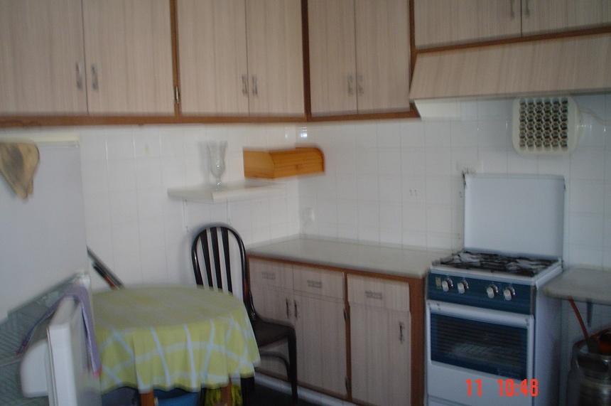 amplia-vivienda-en-zona-ensanche-cocina