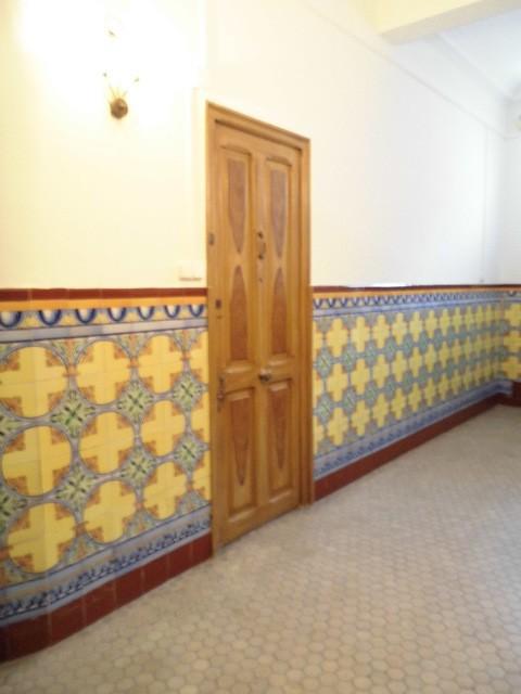 amplio-piso-en-la-zona-de-ensanche-puerta