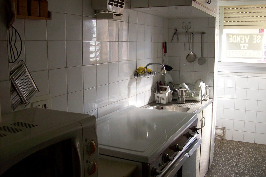 amplio-piso-zona-norte-cocina