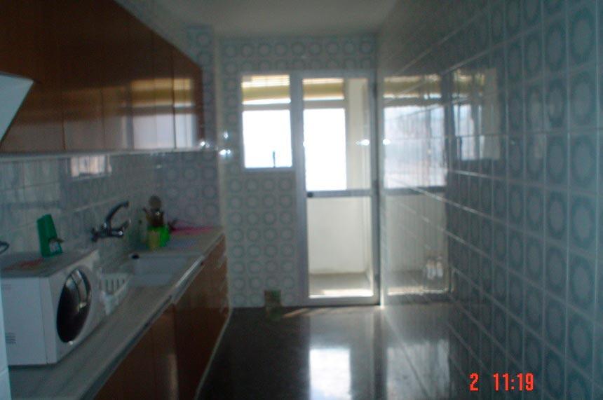 atico-con-gran-terraza-en-ensanche-cocina