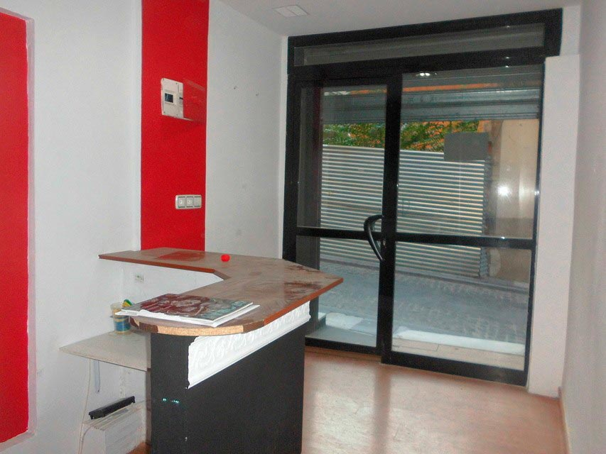 Se vende local comercial reformado - Alcoy