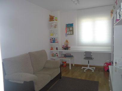 Se vende piso semi nuevo con garaje en Zona Centro-salon2