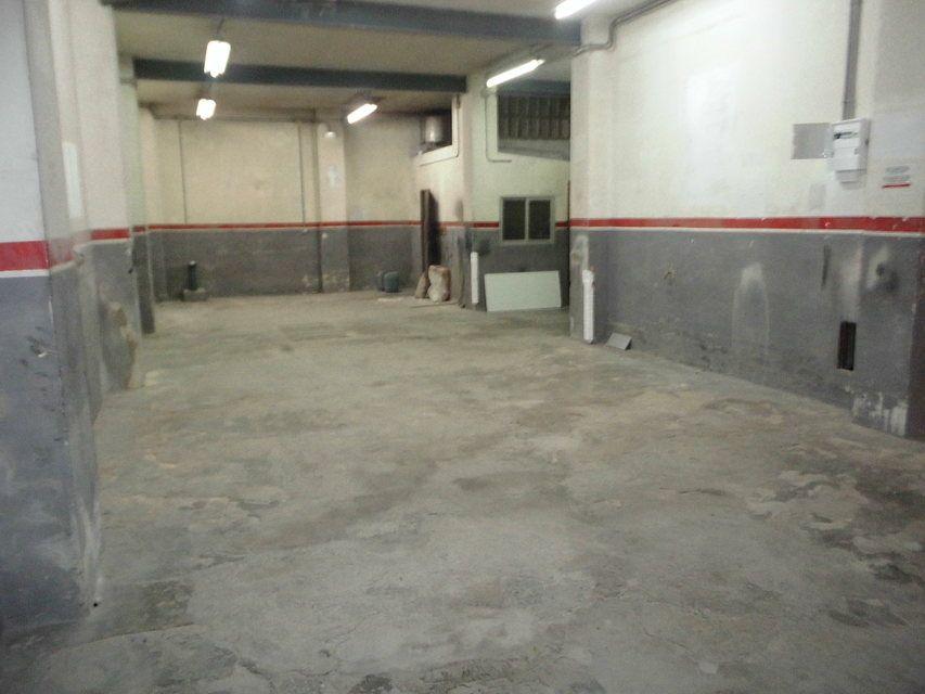 A-la-venta-amplio-garaje-en-Santa-Rosa-interior