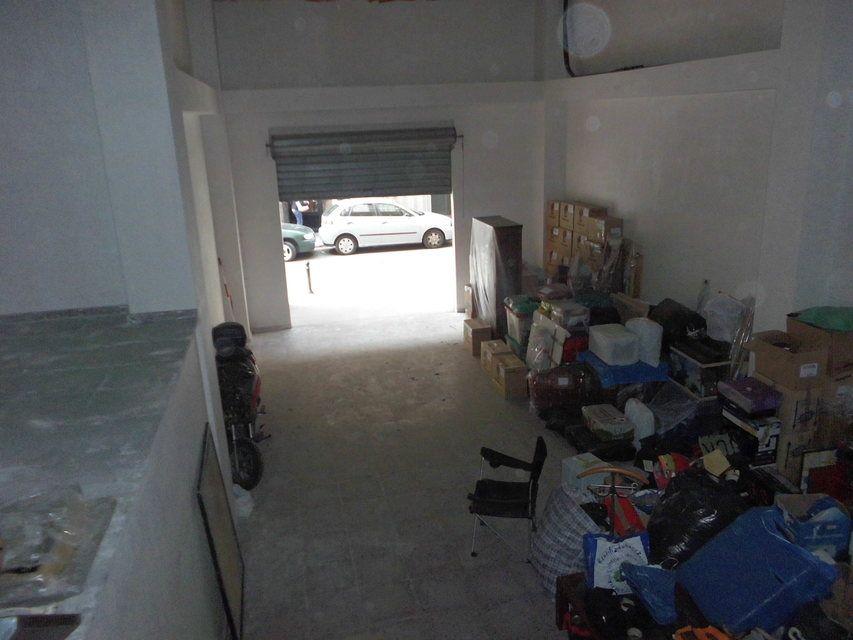 A-la-venta-local-en-el-Camí-interior-1