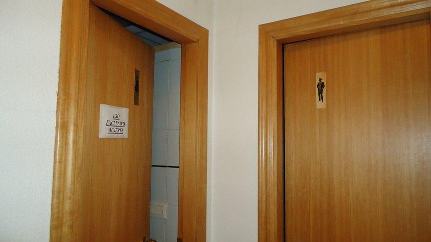 A-la-venta-oficina-en-Ensanche-baños