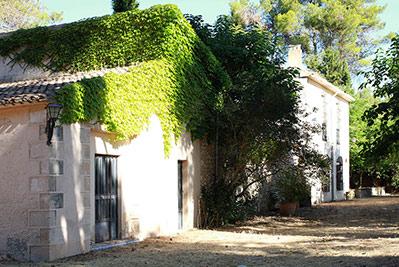Amplia masía rústica con patio interior en la fuente roja-exterior2