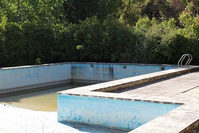 Amplia masía rústica con patio interior en la fuente roja-piscina