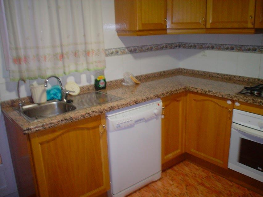 Bonito piso en venta con patio en la cocina en Santa Rosa-cocina-2