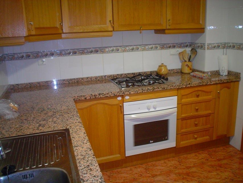 Bonito piso en venta con patio en la cocina en Santa Rosa-cocina-3