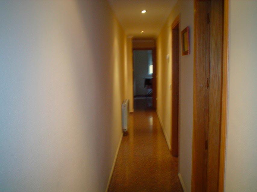 Bonito piso en venta con patio en la cocina en Santa Rosa-pasillo-2