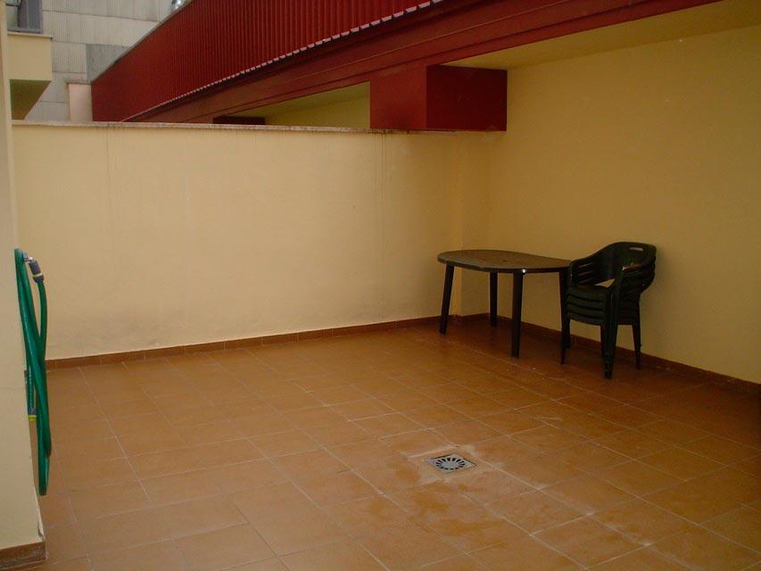 Bonito piso en venta con patio en la cocina en Santa Rosa-terraza