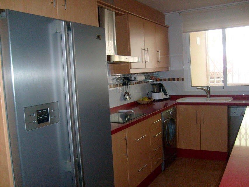 Bonito y moderno piso en venta con garaje y trastero en Batoy - cocina 2