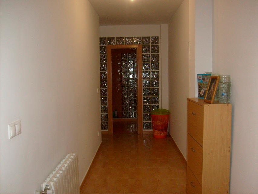 Bonito y moderno piso en venta con garaje y trastero en Batoy - pasillo 2 (2)