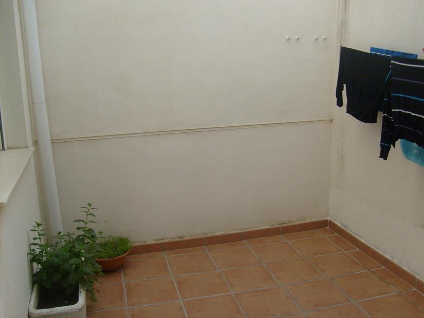Bonito y moderno piso en venta con garaje y trastero en Batoy - patio de luces