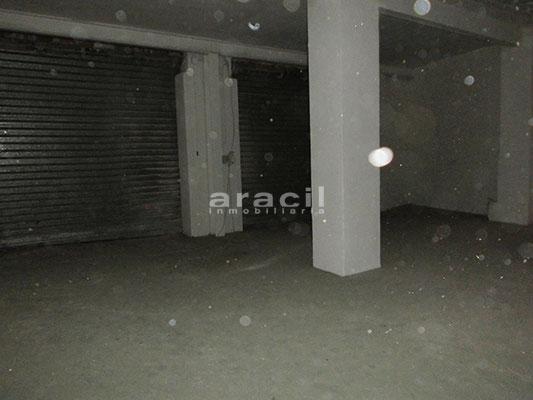 A la venta amplio garaje en el Camí. - Sala