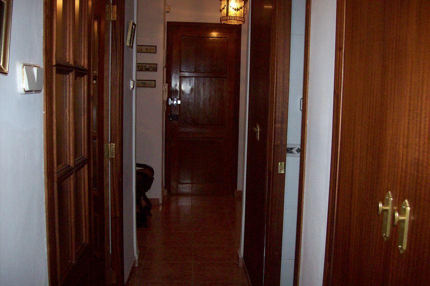 Casa con grandes dimensiones en Ensanche -pasillo 2