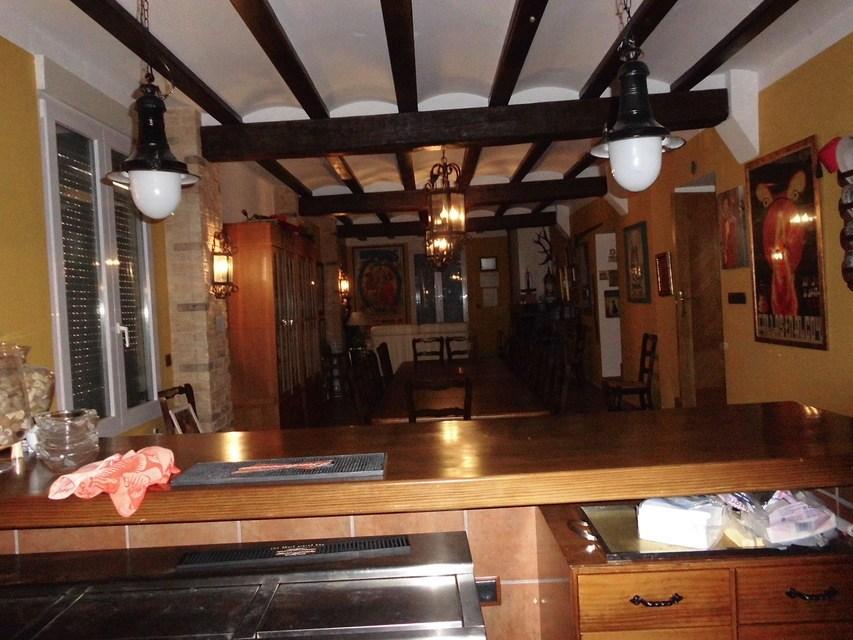 Casa-de-recreo-en-Muro-de-Alcoy-comedor