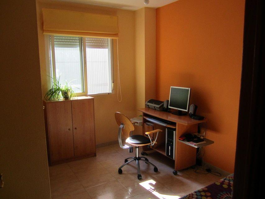 Casa reformada y amueblada en Ensanche-Despacho