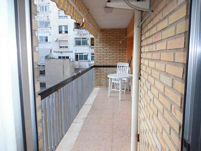 Encantador piso con 4 habitaciones en la zona de Santa Rosa-balcon
