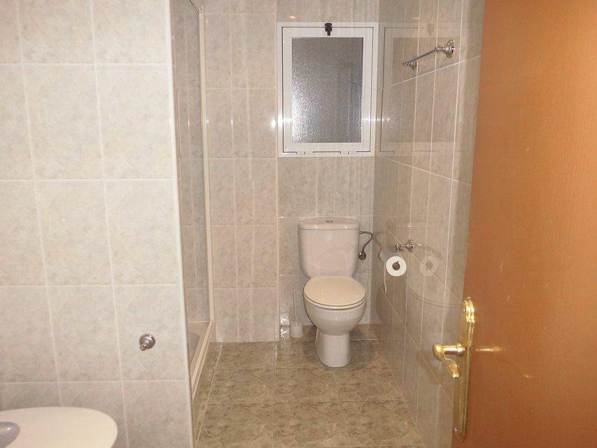 Encantador piso con 4 habitaciones en la zona de Santa Rosa-banyo
