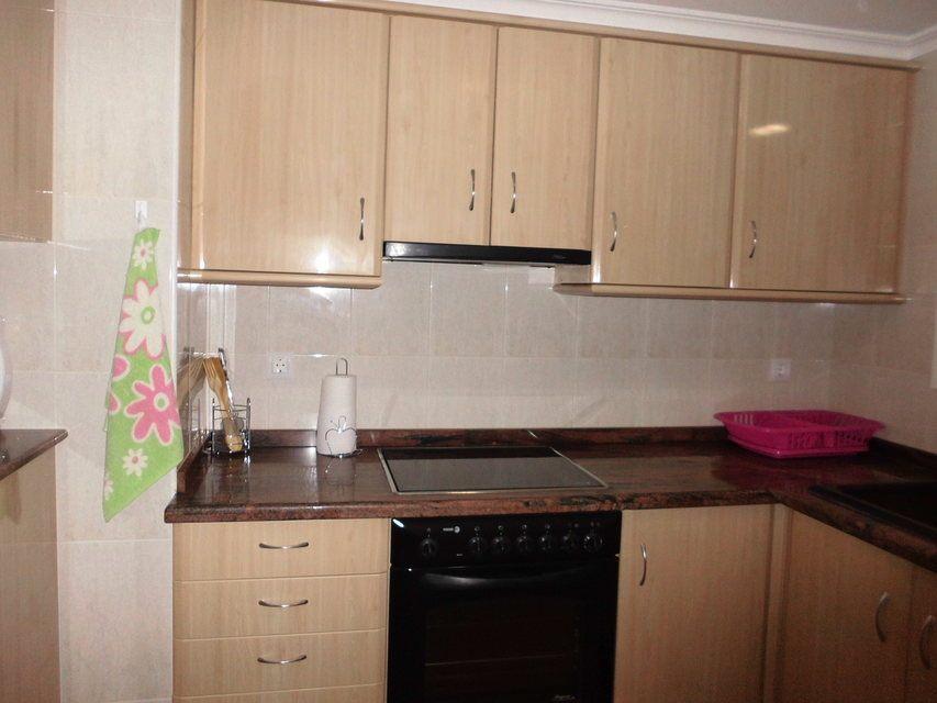 Encantador piso con 4 habitaciones en la zona de Santa Rosa-cocina 2