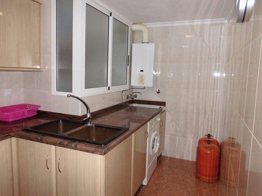 Encantador piso con 4 habitaciones en la zona de Santa Rosa-cocina