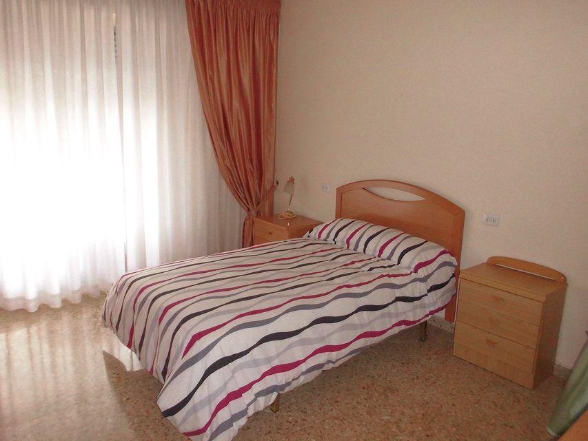 Encantador piso con 4 habitaciones en la zona de Santa Rosa-habitacion 2