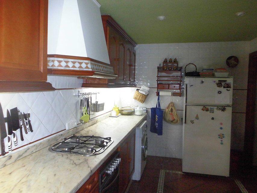 Encantador piso con salón con chimenea en la zona de Santa Rosa-cocina 2