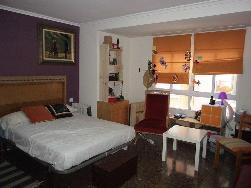 Encantador piso con salón con chimenea en la zona de Santa Rosa-habitacion