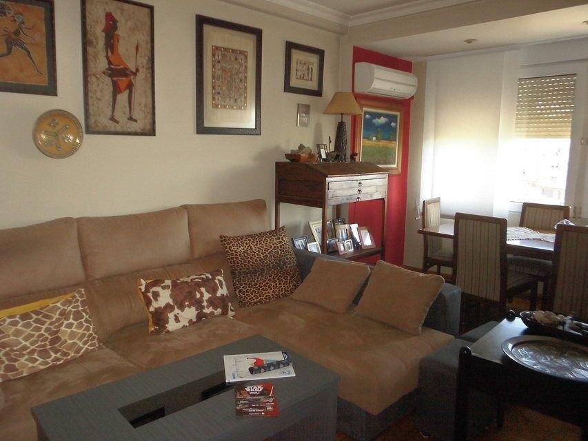 Encantador piso con salón con chimenea en la zona de Santa Rosa-salon