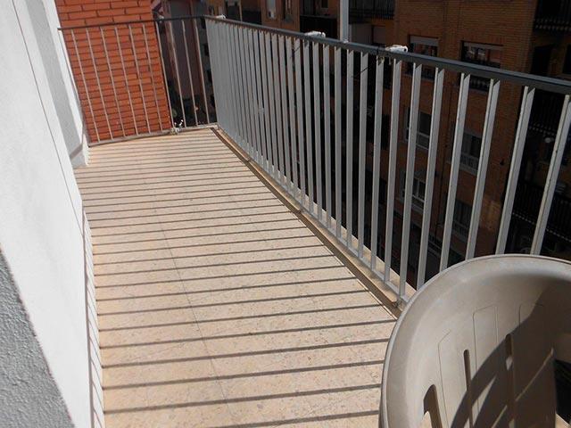 Encantador piso en venta con trastero en Santa Rosa-balcon 2