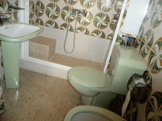 Encantador piso en venta con trastero en Santa Rosa-banyo 2