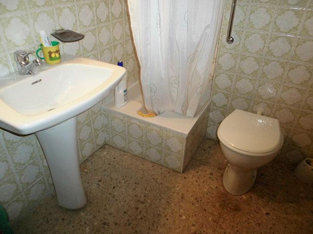 Encantador piso en venta con trastero en Santa Rosa-banyo